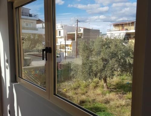 Αντικατάσταση κουφωμάτων σε οικία στην Ελευσίνα